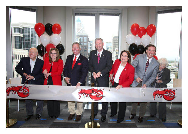 Photo of Red Lobster Leadership at Official Ribbon Cutting